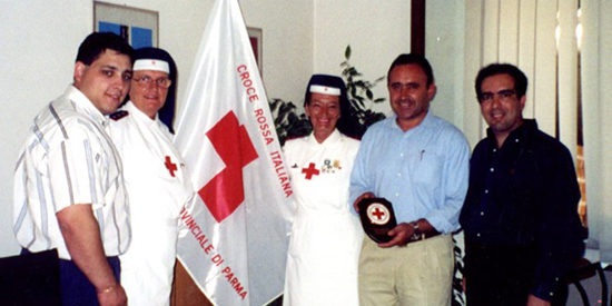 Dr. Manshadi collaborating with the Italian Red Cross.